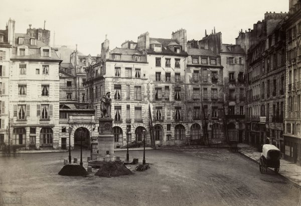 Marville : place Dauphine