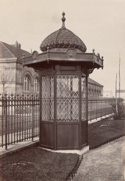 Charles Marville : kiosque du square Montrouge
